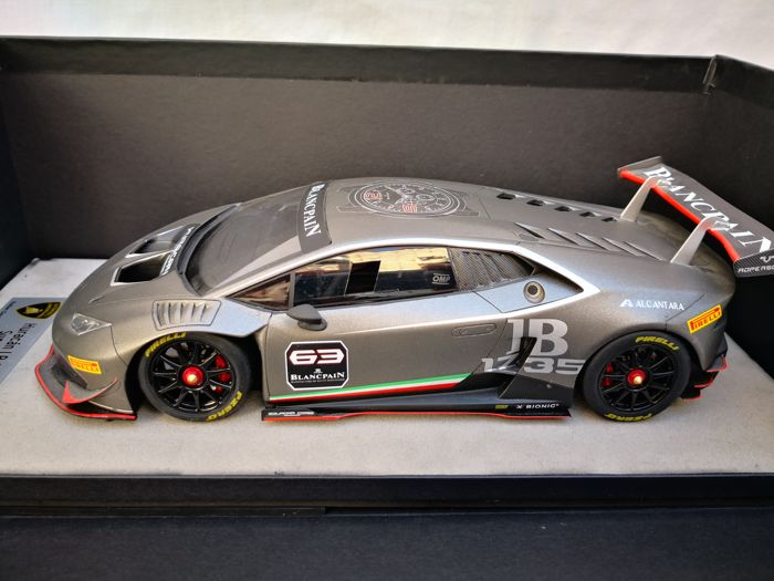 Look Smart - 1:18 - Lamborghini Huracan - 450