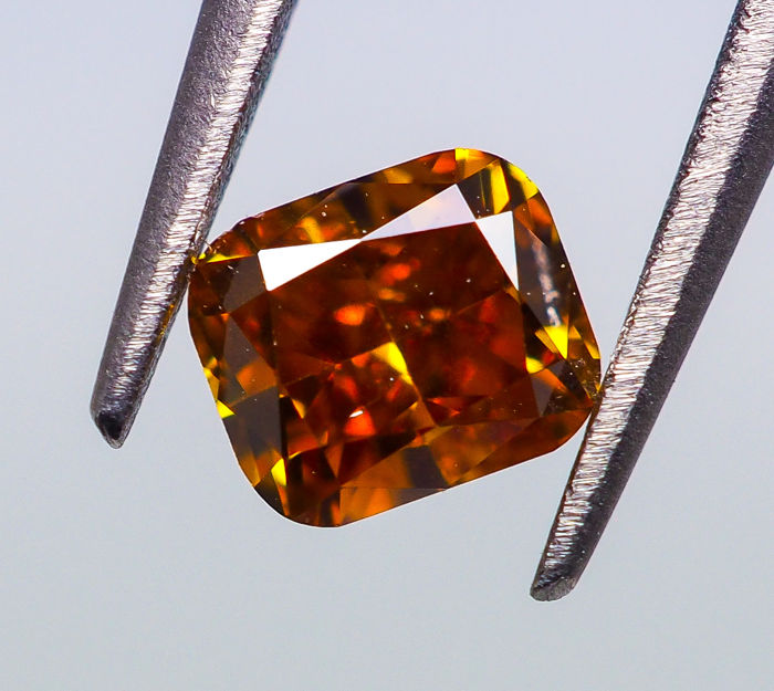 0.25 ct - Natural Fancy Diamond - VIVID Orange - VS2 *NO RESERVE*