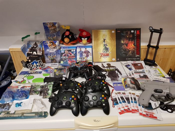 Big Collection of game merchandise, assessories, collectibles!!! (Xbox, Playstation, Sonic, Wii, Zelda etc.)