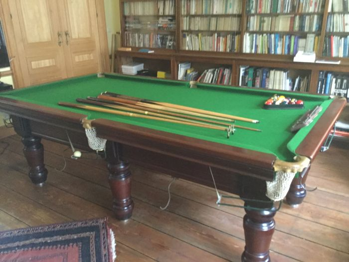 Authentic French pool table, classic model, Rochevilaine 1900, massif walnut.