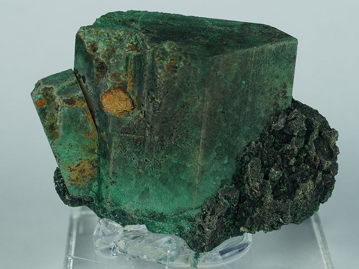 Malachite after Azurite big Tsumeb crystal pseudomorphs on acrylic stand - Rare - 3,4 x 2,7 x 1,0 cm - 24 g with acrylic stand