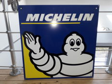 Double-sided Michelin plate