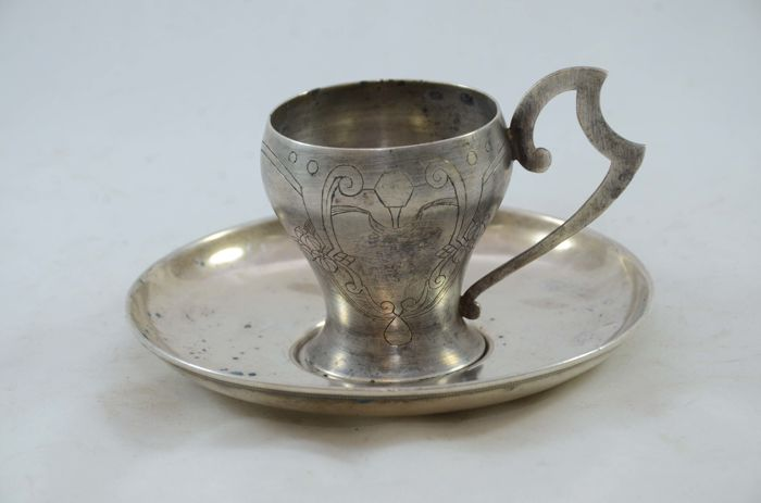 Silver tea cup and saucer - 84 silver - Russia - 1908-1917
