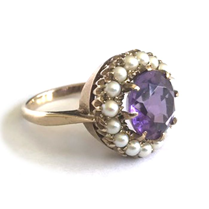 Dinner Ring with Amethyst surrounded with Cultured beads