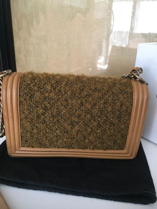 2dfb4ea981dd Chanel - Tweed Boy camel Schoudertas - Catawiki