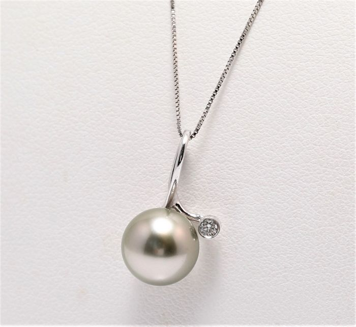 Necklace with Pendant - White Gold - 9mm Tahitian Pearl - 0.03 ct - Diamond