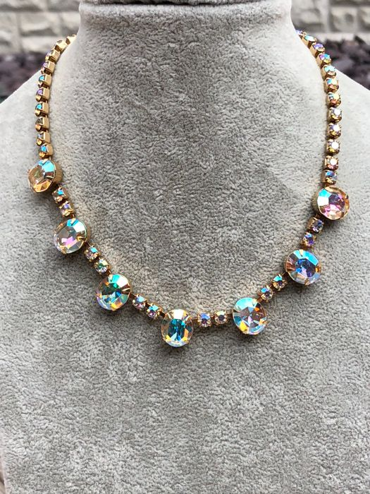 Albert Weiss New York large crystal necklace