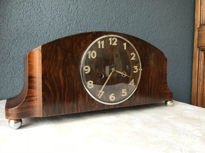 Art deco chiming mantel clocks