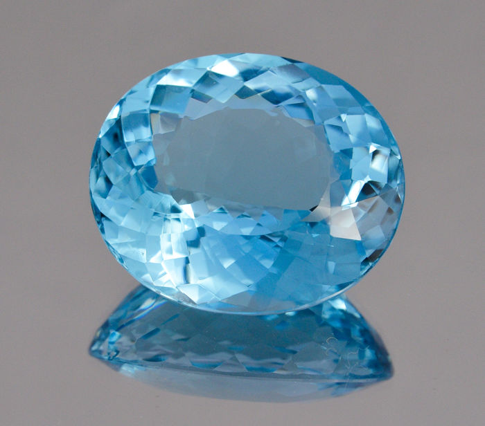 Swiss Blue Topaz - 71.44 ct