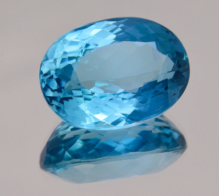 Swiss blue topaz - 26.10 ct