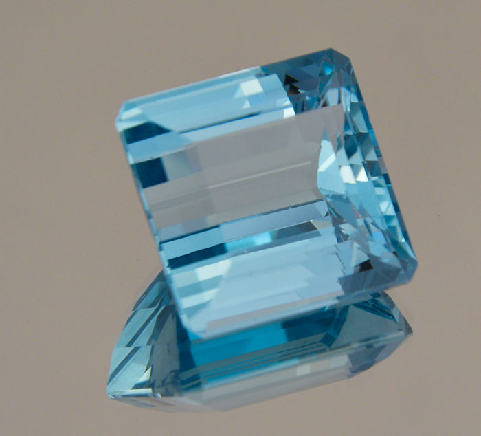 Swiss Blue Topaz - 44.15 ct