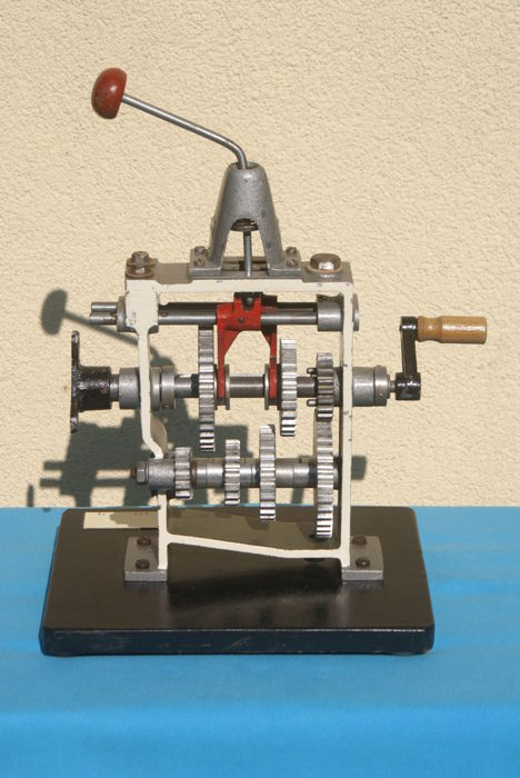 Section - Driving school model: transmission from  - 1972