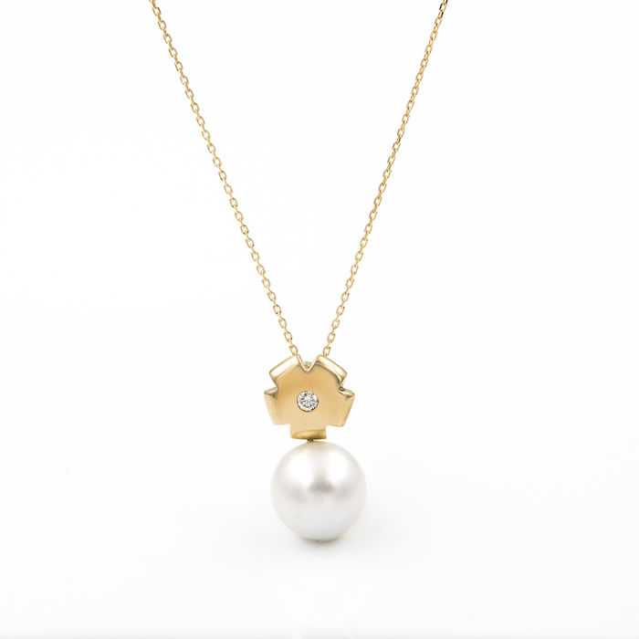 Necklace with pendant - Brilliant cut diamond - Australian pearl -  10.8mm. - Yellow gold 18 kt