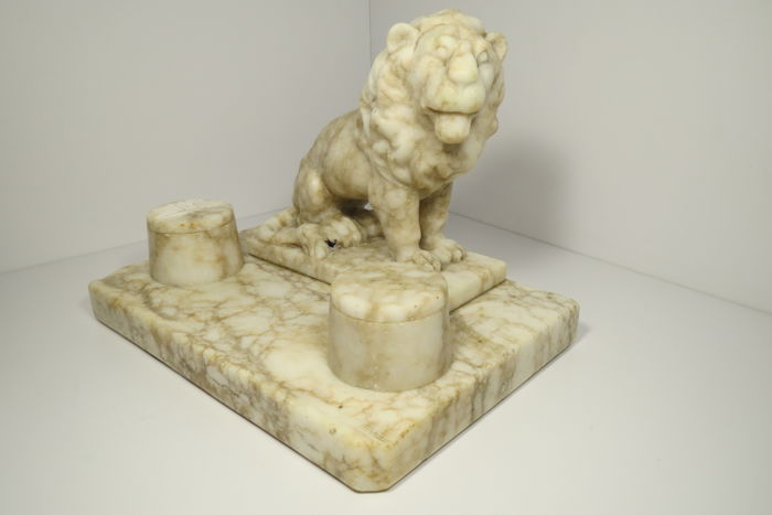 Marble inkwell. The Russian Empire was the first half of the 19th century.