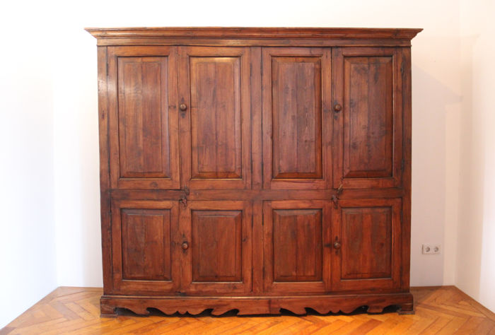 Merveilleux Fruit Wooden Spanish Wall Closet With Panelled Doors And Construction With  Pins   19th Century