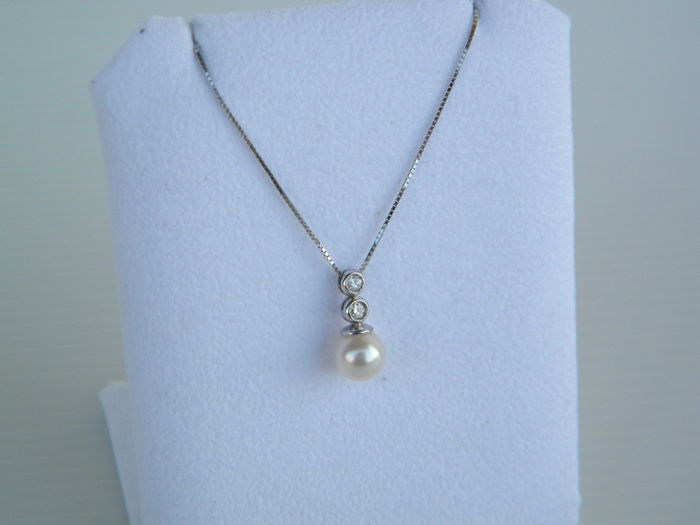 White gold necklace and pendant with 0.10 ct natural diamond and Japanese cultured pearl - Length 44.50 cm