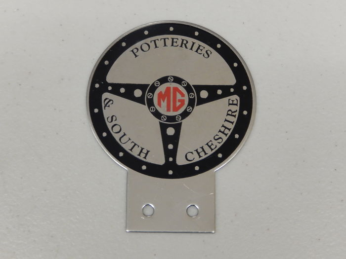 Insigne - Metal MG Potteries & South Cheshire Car Club Badge - 1980