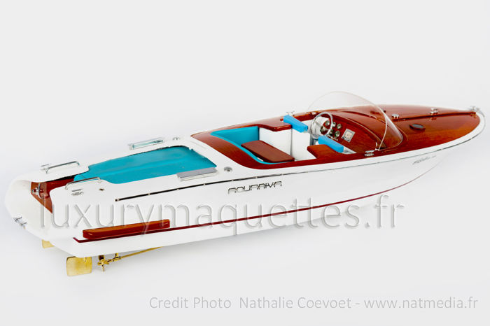 Wood model boat Riva by Marc Newson - Mahogany - 2018