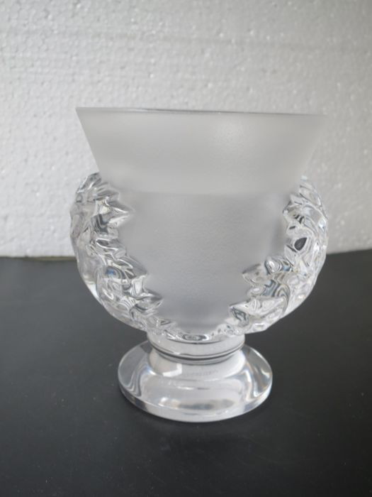 Lalique Vase St Clouds With Acanthus Leaf Catawiki