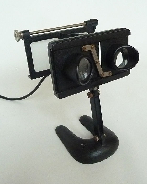Stereo viewer with light for stereo glass slides of 13 x 6
