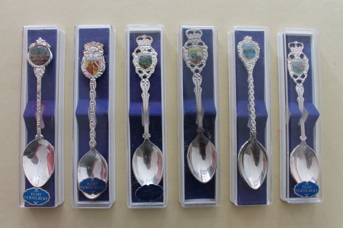 Collection of 161 silver (plated) spoons