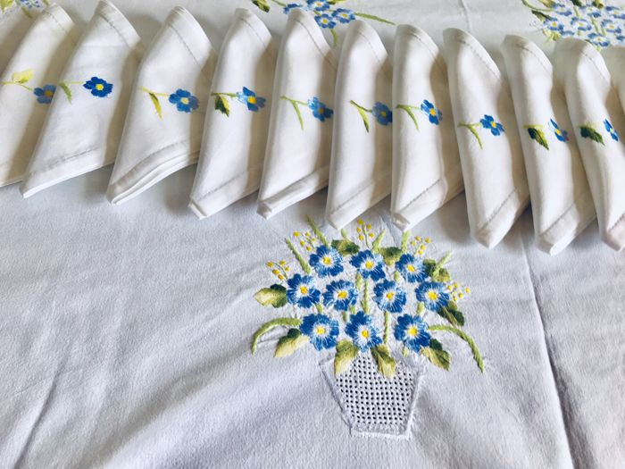 Beautiful set consisting of the old thick cotton tablecloth hand embroidered with small flowers + 12 serviettes