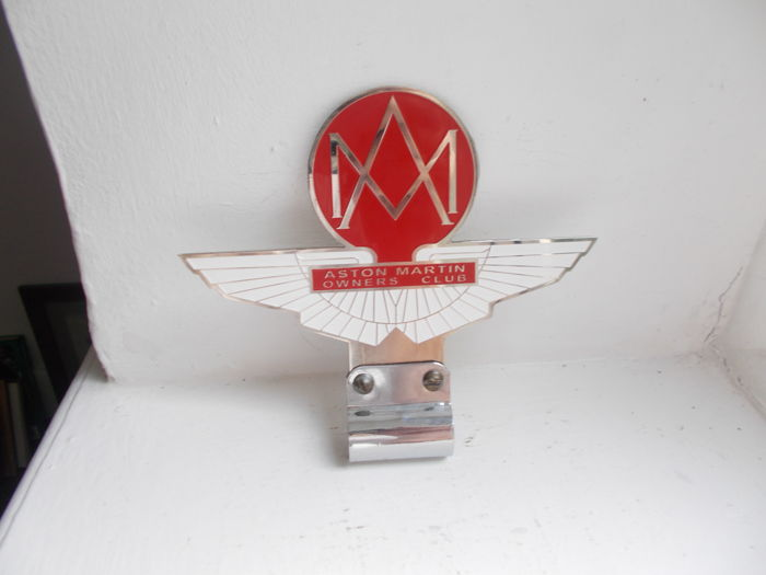 Märke - Aston Martin Owners club chrome , enamel car badge - 1960-1972 (2 föremål)