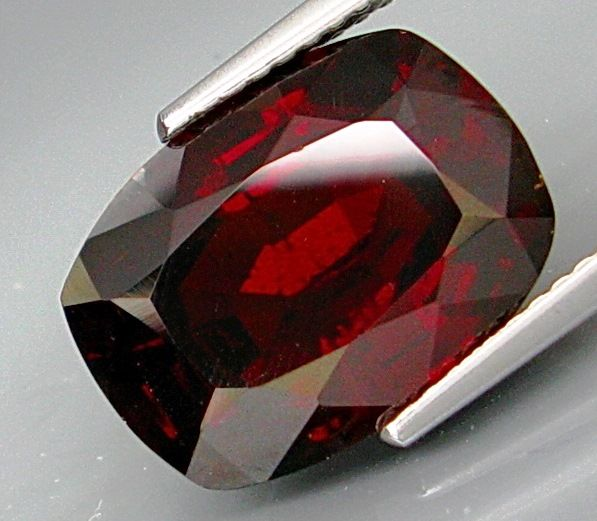 Reddish Orange Spessartite  Garnet  9.29 ct.
