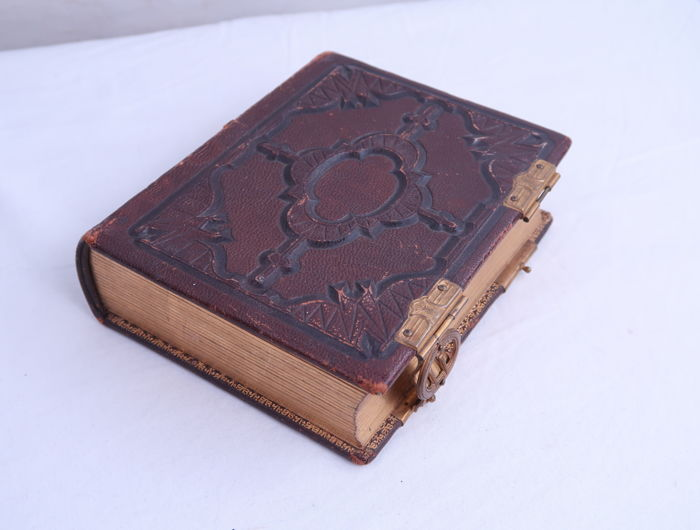 PHOTO ALBUM With Leather Cover Old Carte De Visite Photographs From USA
