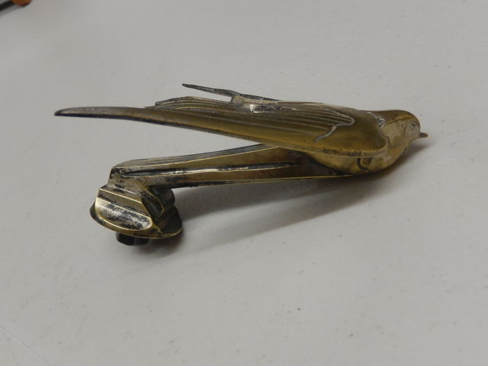 Emblema / Mascota - Original French Hirondelle F Bazin Signed Car Mascot Hood Ornament - 1925