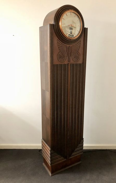 Art Deco grandfather clock with electric movement and full date indication - Paauwes Patent