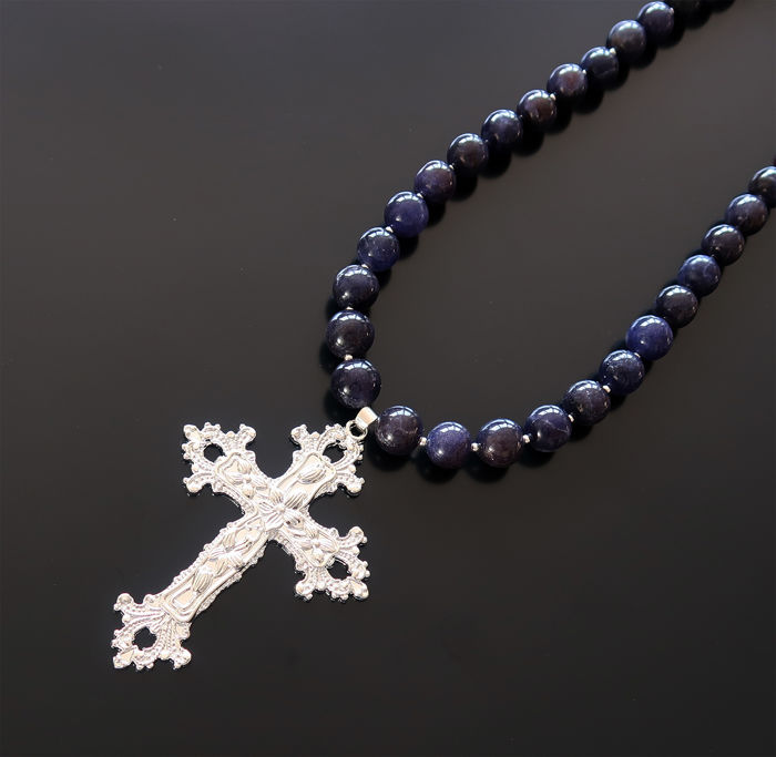 Necklace made of sapphire and silver beads, adorned with a large finely crafted silver-plated cross