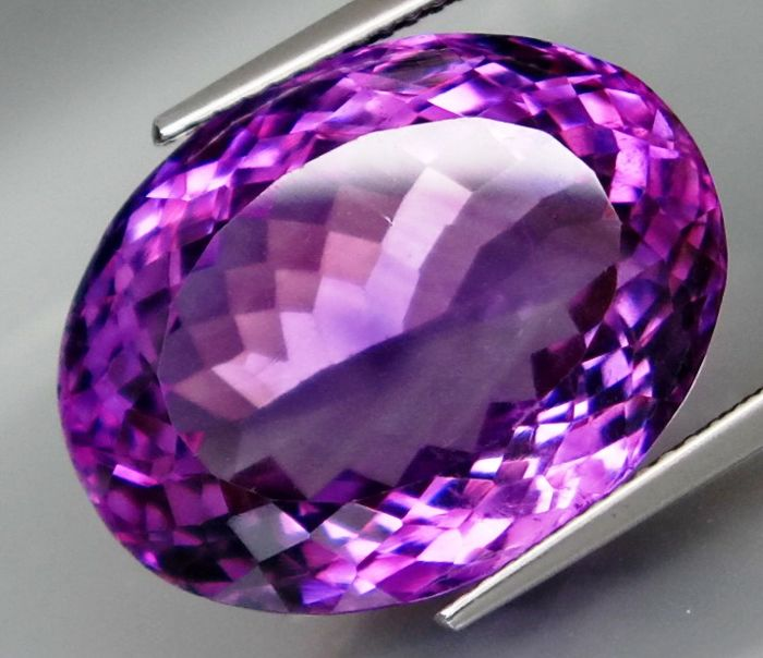 Amethyst – 22.45 ct.  – IGE Certificate – No Reserve Price