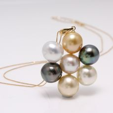NO RESERVE PRICE - 18 kt. Yellow Gold- 10x11mm Tahitian and South Sea Pearls - Necklace with pendant