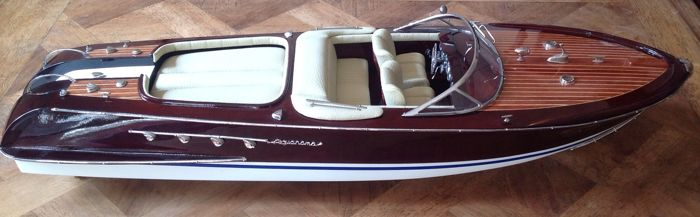Handmade Riva Aquarama boat model in wood and metal - 60 cm