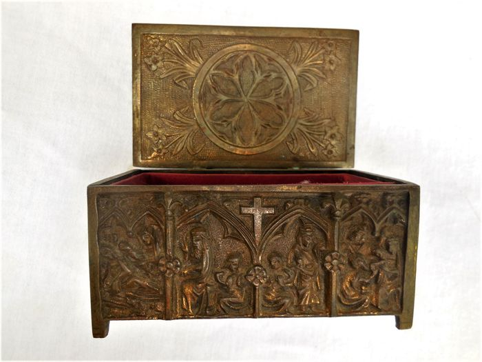 Old heavy jewellery box/box in old bronze with religious motifs all around