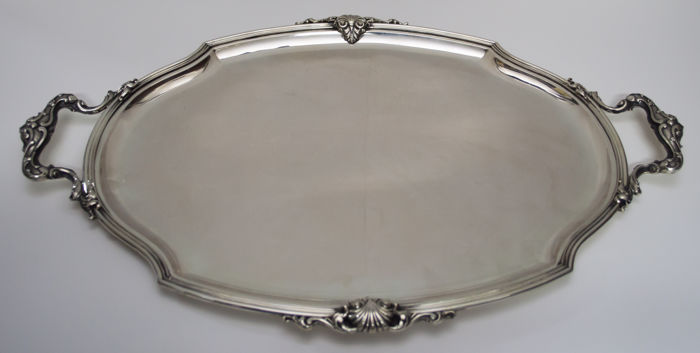 Round hand-chiselled tray in silver 800 - by Italian silversmith Luigi Morandi, Milan, 1959
