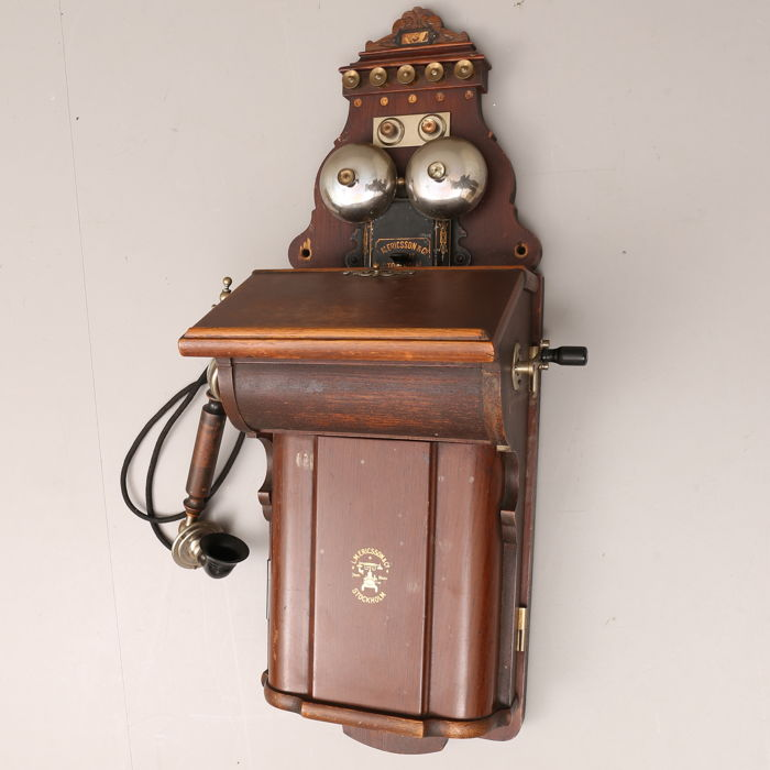Original swedish  LM Ericsson telephone, 1918