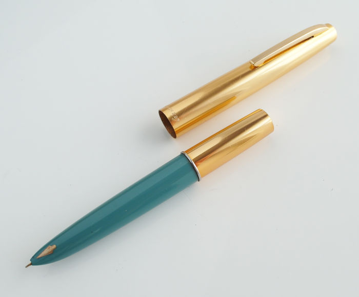 Unique Rainbow fountain pen, turquoise with gold-coloured barrel