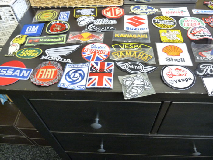 Badge - Porsche, Mini, F1, Rolls Royce etc.   - 1995-2005 (66 items)