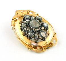 Authentic Antique End 18th-Beginning 19th Century Brooch/Pendant, with Antique Diamonds (tot. 0.80-1.20ct) set on Delicate 18k Yellow Gold with silver fastenings