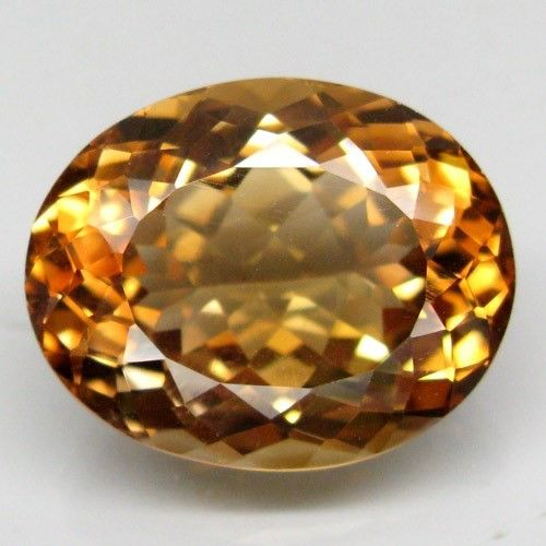 Orangy brown Topaz – 26.76 ct