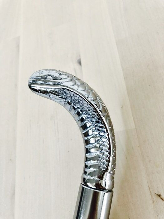 Walking stick with handmade heavily silver plated Cobra handle - 20th century