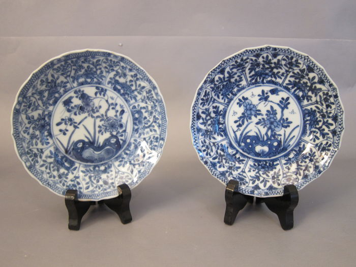 A pair of blue and white dishes - China  - Kangxi period