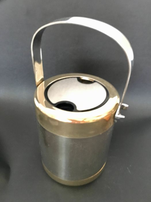 Erhard ice bucket with thermos - Plated in chrome, silver and gold - Register on the base. Made in Germany