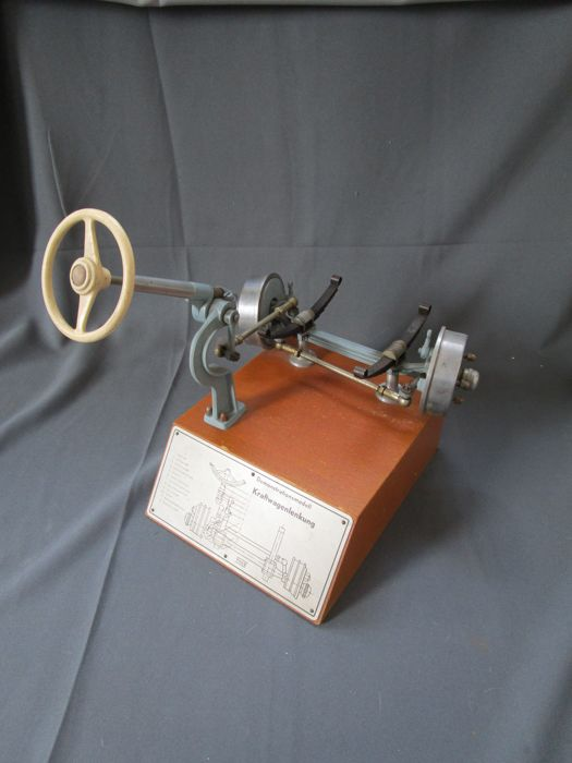 Model of a front axle with steering - Höhm / Werner Degener - perfekter Zustand  - 1950-1960