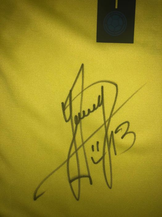 c3690ffde Yerry Mina Signed Colombia World Cup 2018 Shirt With Exact Signing Moment  Shown !!!