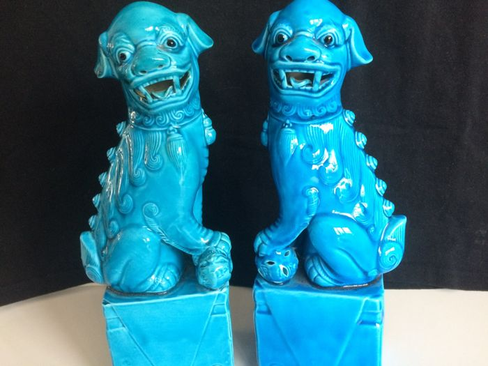 Two large Turquoise Foo Dogs/Imperial lions Male and Female - China - 2nd half 20th century