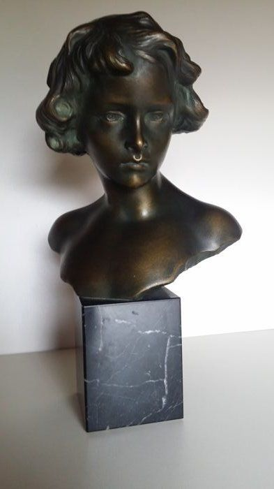 Bust on a pedestal - unclearly signed - marble and plaster - 20th century - Belgium