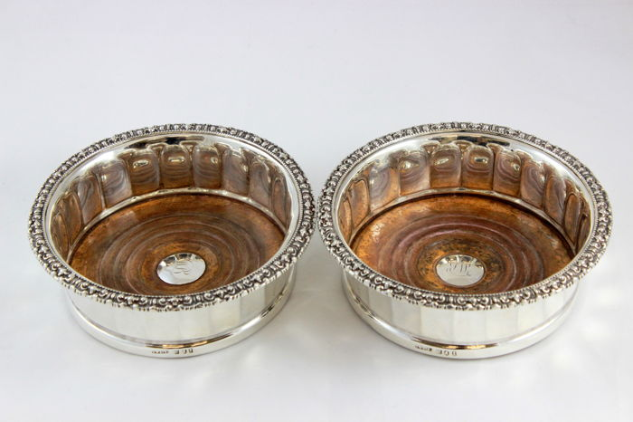 A Pair of George IV Wine Coasters - Sterling Silver - John & Thomas Settle, Sheffield  - England - 1823